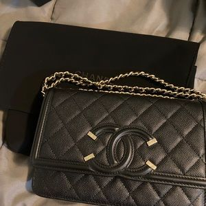Chanel Wallet On a Chain (WOC)